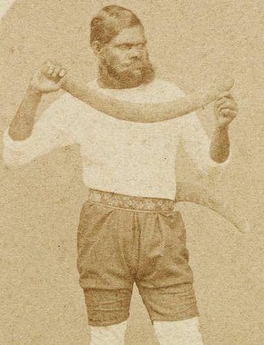 Twopenny, lanceur de balles de cricket de boomerangs